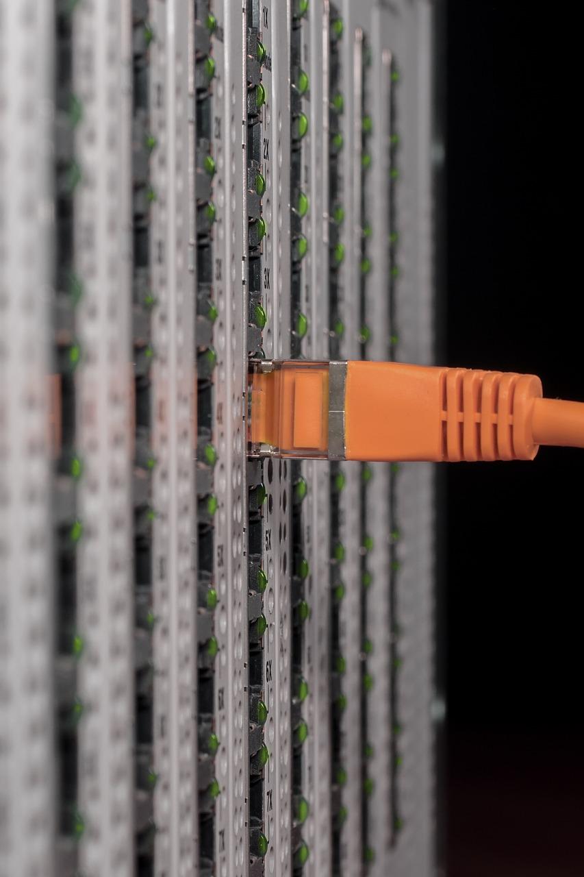 it, server, server cabinet-838378.jpg